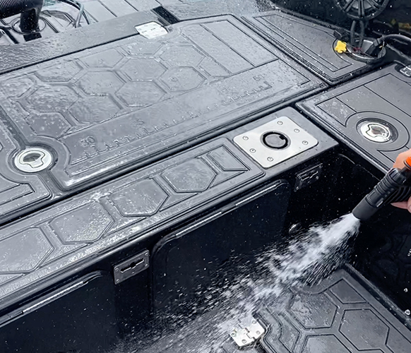 Use the onboard raw water washdown system to wash away dirt and fish debris.
